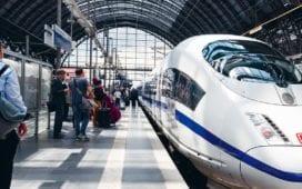 Zug der Deutschen Bahn am Bahnhof in Frankfurt a.M. Credit: DB Presse