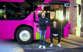 Pinkbus setzt seit 2019 auf Fixpreise und Direktverbindungen und konnte damit nun einene ersten Investoren anlocken. Credit: Pinkbus