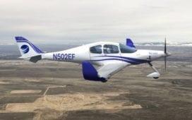 Eine Illustration des viersitzigen Elektroflugzeugs eFlyer 4. Credit: Bye Aerospace