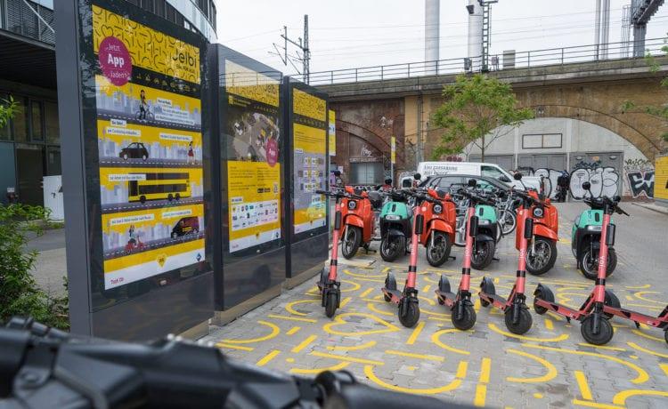 Jelbi-Stationen sind Knotenpunkte mehrerer Mobilitätsformen. Credit: BVG/Andreas Süß
