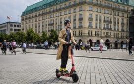 Nur Touristen in der Innenstadt nutzen E-Scooter? Von wegen! Das sagt zumindest eine Statistik von Voi. Credit: Voi/Milena Rahmanzadeh